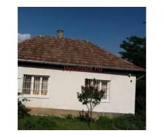 Kertes, komfortos ház eladó
