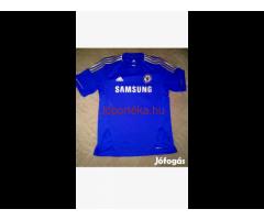 Chelsea mez eladó