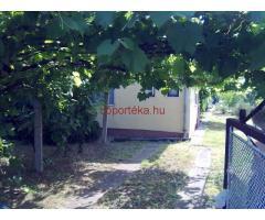 Debrecen Vadgalamb u. ingatlan lakható házzal eladó