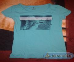 S-m méretű pólók eladók
