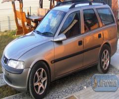 Opel vectra b kombi.